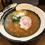 らーめん屋 小川 - 料理写真:鶏白湯  醤油らーめん800円