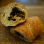 パンハウス - 2016.09 高菜のベーコンのフランスパンの断面