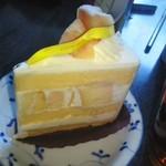 ハレノヒ - 料理写真:白桃ショートケーキ