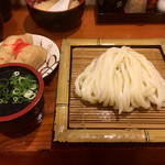 歩 - 料理写真:ざるうどん(*´д`*)300円