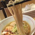 56675926 - 麺リフト