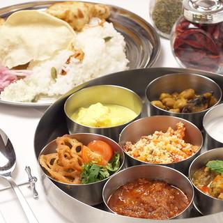 南インドの定食「ミールス」