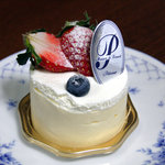 パティスリー シェーヌ - レア・チーズ320円。<2010_11>