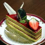 パティスリー シェーヌ - ピスターシュフレーズ360円。<2010_11>