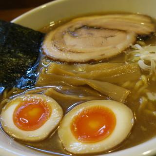 めん 和正 - 料理写真:中華麺。味玉付き