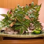 旬席 鈴江 - 松茸、太刀魚、はもを焼く前にプレゼンテーションで盛り付けて。