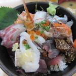 Okamotosengyoten - 料理写真:海鮮丼 1000円