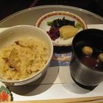 京懐石 美濃吉 - 御飯:釜炊き松茸御飯/香の物/赤出汁
