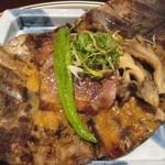 京懐石 美濃吉 - 旬菜(選択):合鴨ロースときのこ朴葉焼