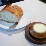 トックブランシュ - パン(バタール)・バター