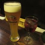 JSレネップ - エルディンガー・ヴァイスビール 300ml 760円 & ワインカシス 790円(+Tax+Service charge)