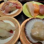 魚魚丸 - 料理写真:トロ三昧、活ホタテ、天然ブリ、天然ヒラメ