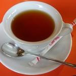 カフェ イ・ルンガ - ホットミルクティー