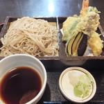東都庵 - 料理写真:天ぷら盛りそばです☆ 2016-0906訪問