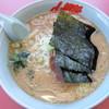 山岡家  - 料理写真:醤油ラーメン中盛+チャーシュー2枚