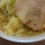 ラーメンどん - 2016年9月 ラーメン(野菜多めにんにく少し) 680円