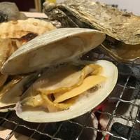 北海道近海でとれる新鮮な魚介類を一番美味しい炉端焼きでご提供