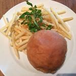 グロリアス チェーン カフェ - アンガスビーフバーガー1180円