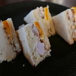 雪ノ下 - 富士の鶏サンド(税込972円)