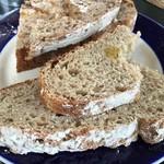 サリーヒルズ - ジーザスが焼いたパン 絶品やで