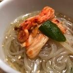 白雲台 - 冷麺(取り分け後w)
