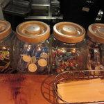 人形町駄菓子バー - お通し代わりに食べ放題
