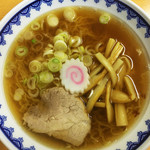 三吉屋 - 中華そば(600円)