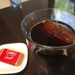 Kajin - アイスコーヒー440円。氷もコーヒーなのでゆっくり味を楽しめます