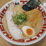 東京豚骨ラーメン 屯ちん - 東京豚骨ラーメン 680円