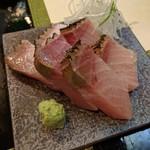 すし処なかみぞ - 北海道(羅臼)産の炙り鰤