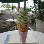 座々丸 - アイスクリーム(抹茶&バニラ)