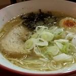 サンキューラーメン - 料理写真:にんにくラーメン とんこつ