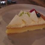 cafe marble  - 季節のフレッシュフルーツタルト