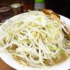 ラーメン二郎 - 料理写真:ラーメン(ブタ2枚入り)690円