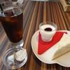ザワックカフェ - 料理写真:ケーキセット    ホワイトチーズケーキ&アイスコーヒー
