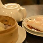 菜香新館 - 海老のクレープと小籠包