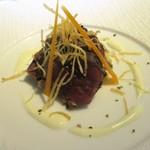 レストランパフューム - 前菜2:熟成蝦夷鹿の網焼き