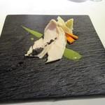 レストランパフューム - アミューズ:地鶏のマリネ