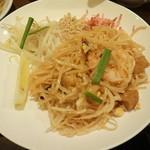 57174196 - ランチメイン料理「タイの焼きビーフン」