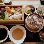タイムズ スパ・レスタ - いも豚ロースと季節野菜のセイロ蒸し膳(十穀米)
