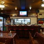 マルハバ - 喫茶店を改装したかのような店内