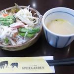 57197064 - サラダバー、スープ