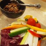 心灯 - 季節の野菜盛合せ 特製肉味噌