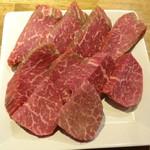 立喰い焼肉 おやびん - 料理写真:シャトーブリアン