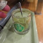 大洗 お魚食堂 - お茶葉は自分で入れます。