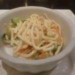 中国料理 白金亭 - 干し豆腐の和え物
