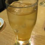 焼肉とワイン 李苑 - トウモロコシのひげ茶ハイ