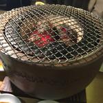 焼肉とワイン 李苑 - 炭火七輪