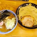 中華蕎麦うゑず - 料理写真:つけ味玉(並)