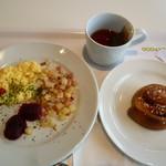 イケア レストラン - スウェーデン・ブレックファースト 149円